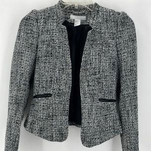 H&M BLACK/WHITE TWEED CROPPED LINED FITTED BLAZER